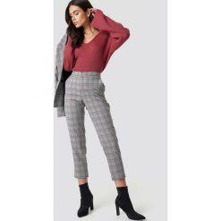 Spodnie damskie: Dilara x NA-KD Spodnie w kratkę - Grey