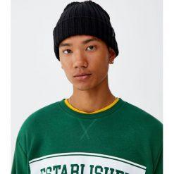 Bluza z literami. Czarne bluzy męskie rozpinane marki Pull&Bear, m. Za 59,90 zł.