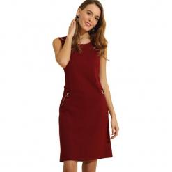 Sukienka w kolorze bordowym. Czerwone sukienki marki Almatrichi, s, z okrągłym kołnierzem, midi, proste. W wyprzedaży za 159,95 zł.