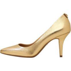 MICHAEL Michael Kors MID FLEX  Szpilki pale gold. Czarne szpilki marki MICHAEL Michael Kors, z gumy, przed kolano, na wysokim obcasie. Za 399,00 zł.