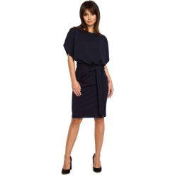 Odzież damska: Granatowa Sukienka Przewiązana Paskiem z Nietoperzowym Krótkim Rękawem