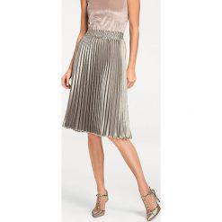 Odzież damska: Spódnica w kolorze srebrnym