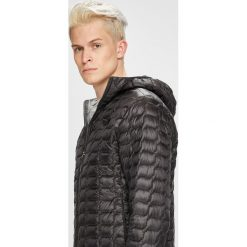 The North Face - Kurtka. Czarne kurtki męskie pikowane marki The North Face, m, z materiału, z kapturem. Za 899,90 zł.