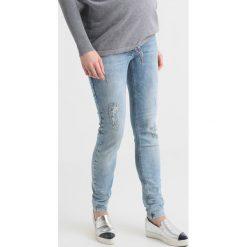 LOVE2WAIT SOPHIA DESTROYED SUPERSTRETCH Jeans Skinny Fit light wash. Niebieskie boyfriendy damskie LOVE2WAIT. Za 339,00 zł.