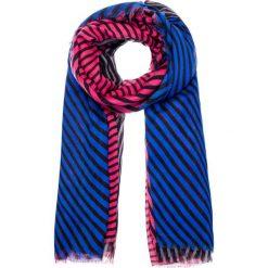 Różowo-niebieska apaszka w paski QUIOSQUE. Czerwone apaszki damskie QUIOSQUE, w geometryczne wzory, z tkaniny. W wyprzedaży za 39,99 zł.