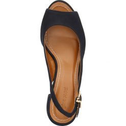 Sandały SAWU. Niebieskie sandały damskie na słupku marki Gino Rossi, w paski, z nubiku, na wysokim obcasie. Za 299,90 zł.