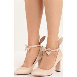 Beżowe Czółenka Runny Babbit. Brązowe buty ślubne damskie Born2be, w paski, ze skóry, ze szpiczastym noskiem, na wysokim obcasie, na słupku. Za 79,99 zł.