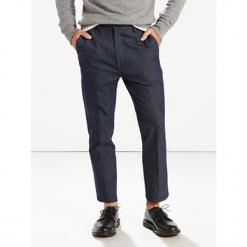 """Spodnie chino """"502®"""" - Regular fit - w kolorze granatowym. Niebieskie chinosy męskie marki Levi's®, w paski, z denimu. W wyprzedaży za 173,95 zł."""