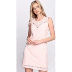 Sukienki: Różowa Sukienka Wise Decision