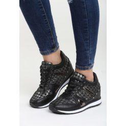 Czarne Sneakersy She's a Mystery. Czarne sneakersy damskie Born2be, z materiału. Za 89,99 zł.