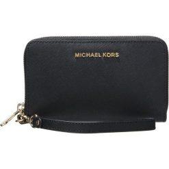 MICHAEL Michael Kors JET SET TRAVEL Portfel black. Czarne portfele damskie marki MICHAEL Michael Kors. Za 459,00 zł.