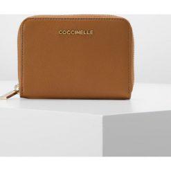 Portfele damskie: Coccinelle WALLET ZIP ARROUND SMALL Portfel cuir