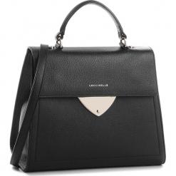 Torebka COCCINELLE - C05 B14 E1 C05 18 03 01 Noir 001. Czarne torebki klasyczne damskie marki Coccinelle, ze skóry. W wyprzedaży za 979,00 zł.