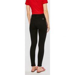 Tally Weijl - Jeansy Rana. Czerwone jeansy damskie rurki marki TALLY WEIJL, l, z dzianiny, z krótkim rękawem. Za 169,90 zł.