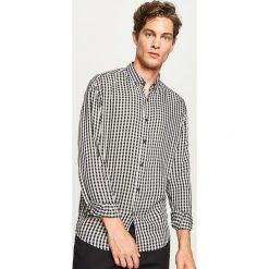 Koszula w kratę - Czarny. Czarne koszule męskie Reserved, m. W wyprzedaży za 59,99 zł.