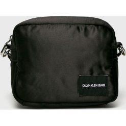 Calvin Klein Jeans - Torebka. Czarne torebki klasyczne damskie marki Calvin Klein Jeans, w paski, z jeansu, małe. Za 279,90 zł.