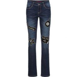 Dżinsy SLIM z naszywkami i ćwiekami bonprix ciemny denim. Niebieskie jeansy damskie marki bonprix, z nadrukiem. Za 129,99 zł.