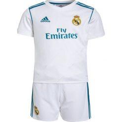 Adidas Performance REAL MADRID SET Krótkie spodenki sportowe white/vivid teal. Białe spodenki chłopięce adidas Performance, z materiału, sportowe. W wyprzedaży za 215,20 zł.