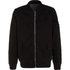 Vans OVERBROOK Kurtka zimowa black. Czarne kurtki chłopięce zimowe marki bonprix. W wyprzedaży za 258,30 zł.