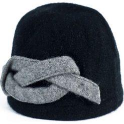 Czapka damska Infinity czarna (cz15377). Czarne czapki zimowe damskie Art of Polo. Za 56,30 zł.