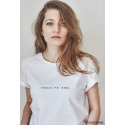 T-shirty damskie: FEMALE INTUITION T-shirt