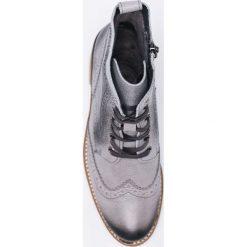 Jana - Botki. Szare buty zimowe damskie Jana, z gumy, z okrągłym noskiem, na sznurówki. W wyprzedaży za 239,90 zł.