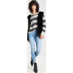 Custommade ALARA Sweter grey melange. Szare swetry klasyczne damskie Custommade, m, z materiału. W wyprzedaży za 433,95 zł.