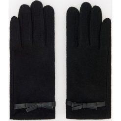 Wełniane rękawiczki - Czarny. Czarne rękawiczki damskie Reserved, z wełny. Za 39,99 zł.