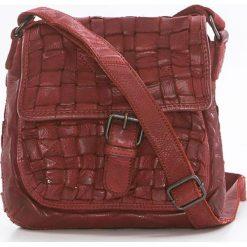 Torebki klasyczne damskie: Skórzana torebka w kolorze czerwonym – 21 x 19 x 7 cm