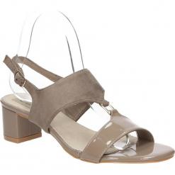 Sandały na słupku Casu LS51706P. Czerwone sandały damskie na słupku marki Melissa, z kauczuku. Za 59,99 zł.