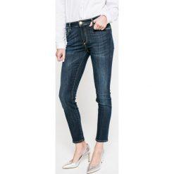 Trussardi Jeans - Jeansy. Niebieskie jeansy damskie rurki marki Trussardi Jeans, z podwyższonym stanem. W wyprzedaży za 539,90 zł.