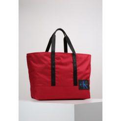 Calvin Klein Jeans Torba na zakupy red. Czerwone shopper bag damskie Calvin Klein Jeans, z jeansu. W wyprzedaży za 356,30 zł.