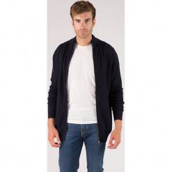 Kaszmirowy kardigan w kolorze granatowym. Niebieskie swetry rozpinane męskie marki GALVANNI, l, z okrągłym kołnierzem. W wyprzedaży za 391,95 zł.