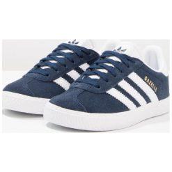 Adidas Originals GAZELLE Tenisówki i Trampki collegiate navy/footwear white. Niebieskie tenisówki męskie marki adidas Originals, z materiału. W wyprzedaży za 199,20 zł.