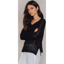 Swetry klasyczne damskie: Rut&Circle Sweter z dekoltem V Mandala – Black