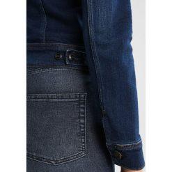 Lee SLIM RIDER Kurtka jeansowa kims. Czarne bomberki damskie Lee, xs, z bawełny. Za 399,00 zł.