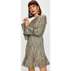Trendyol - Sukienka. Szare długie sukienki marki Trendyol, na co dzień, z elastanu, casualowe, dopasowane. Za 119,90 zł.