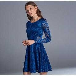 Koronkowa sukienka - Niebieski. Niebieskie sukienki koronkowe marki Cropp, l. Za 99,99 zł.