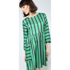 Zielona Sukienka Straight Line. Zielone sukienki letnie marki other, l, prążkowane. Za 54,99 zł.