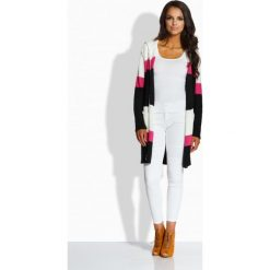 Swetry klasyczne damskie: Oryginalny trójkolorowy sweter z kapturem ekri-fuksja-czarny