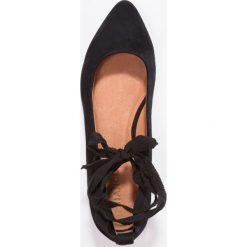 Baleriny damskie lakierowane: Bianco POINTY  Baleriny z zapięciem black