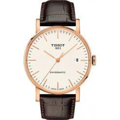 RABAT ZEGAREK TISSOT Everytime Swissmatic T109.407.36.031.00. Białe zegarki męskie marki TISSOT, ze stali. W wyprzedaży za 1848,00 zł.