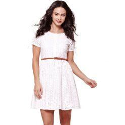 Sukienki hiszpanki: Haftowana sukienka z krótkim rękawem
