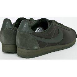 Nike Sportswear - Buty Classic Cortez Nylon. Szare halówki męskie Nike Sportswear, z gumy, na sznurówki. W wyprzedaży za 329,90 zł.