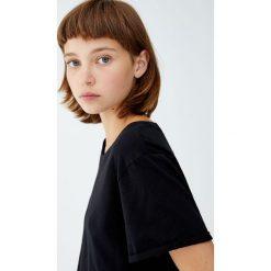 Koszulka basic z krótkim rękawem. Szare t-shirty damskie Pull&Bear. Za 29,90 zł.