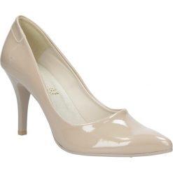 Beżowe szpilki czółenka ślubne lakierowane Casu 1799. Brązowe buty ślubne damskie marki Casu, z lakierowanej skóry, na szpilce. Za 78,99 zł.