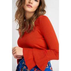Odzież damska: Sweter z falbaną na rękawach