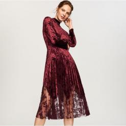 Aksamitna sukienka z koronkowym dołem - Fioletowy. Fioletowe sukienki koronkowe Reserved. Za 159,99 zł.
