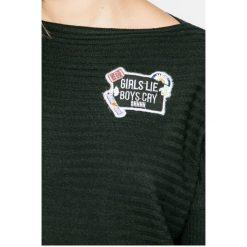 SH - Sweter. Czarne swetry klasyczne damskie SH, l, z dzianiny, z dekoltem w łódkę. W wyprzedaży za 119,90 zł.