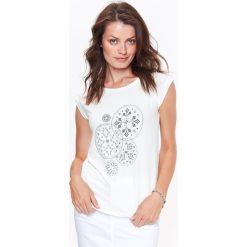 T-SHIRT DAMSKI, Z NADRUKIEM Z DELIKATNYM POŁYSKIEM. Białe t-shirty damskie marki Christmas T-Shirt, xl, z bawełny. Za 24,99 zł.